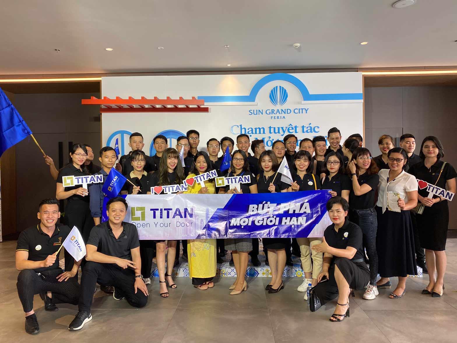 Chiến binh sales Titan tại lễ ra quân dự án Sun Grand City Feria