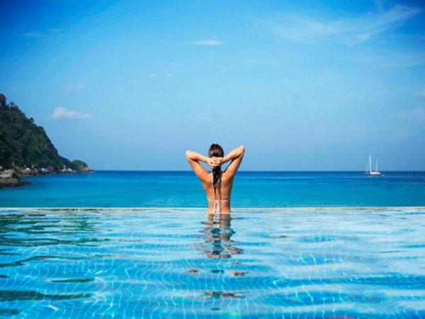 ocean-view-ideas-infinity-pool-image-id-181361-e1447985065621