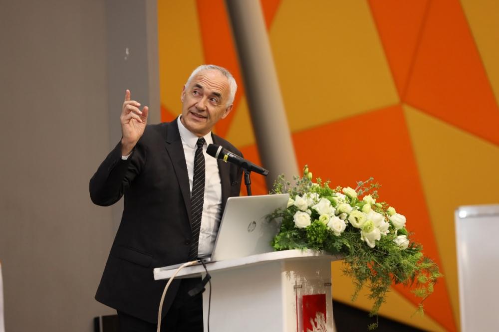 Ông Alfonso Vegara – Chủ tịch, Tổng Giám đốc của Metropoli Ecosystems tại buổi lễ ký kết