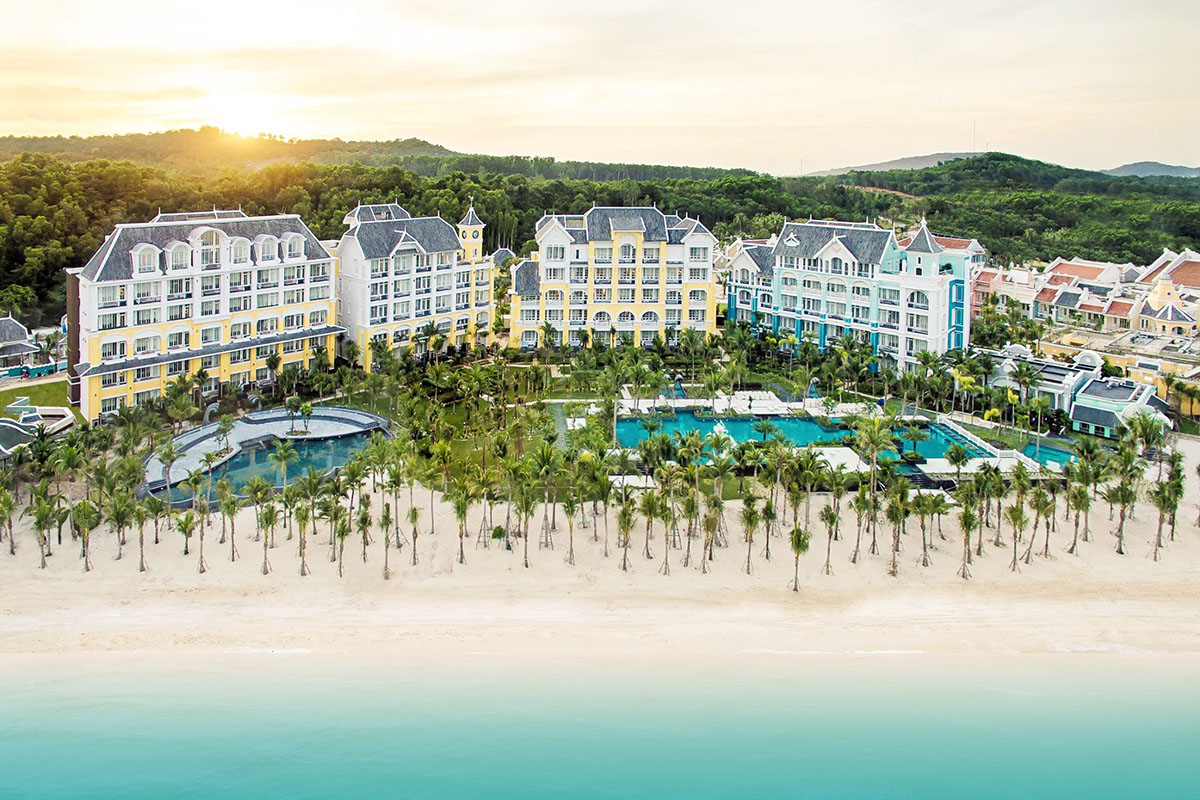 Khu nghỉ dưỡng 5 sao JW Marriott Phu Quoc Emerald Bay – nơi được lựa chọn tổ chức lễ cưới của cặp tỷ phú Ấn Độ