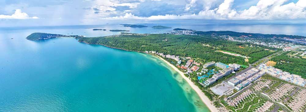 Bãi Kem nằm trong top 100 bãi biển đẹp nhất thế giới và là bãi biển yên tĩnh nhất Phú Quốc