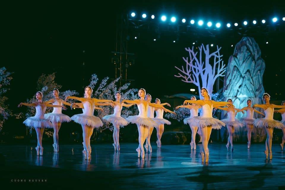 ballet ho thien nga trinh dien cho cu dan ecopark xem