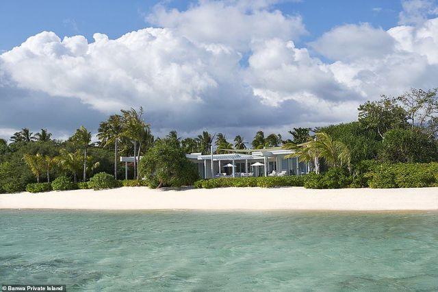 Khu nghỉ dưỡng trên hòn đảo Banwa chỉ vỏn vẹn 38 km với 6 biệt thự nhưng mức giá 1 đêm tại đây lên đến 100.000 USD