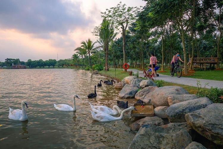 Ecopark mang đến cho cư dân một môi trường sống trong lành, thanh mát