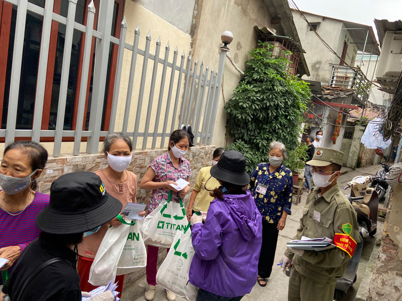 Tại địa điểm xóm chạy thận bệnh viện Bạch Mai ngõ 131 Lê Thanh Nghị