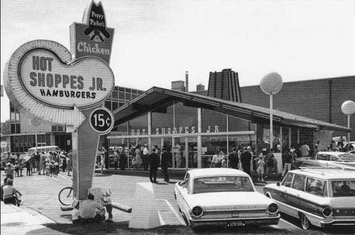 Cửa hàng Hot Shoppes JR đầu tiên của vợ chồng JW Marriott
