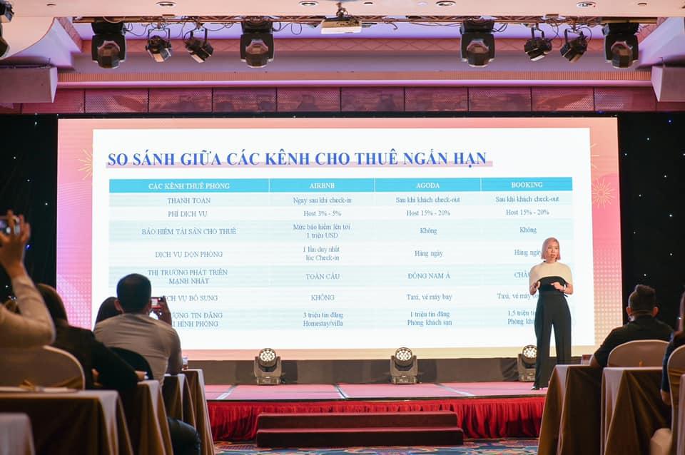 Mrs. Hà Linh - 1 trong 30 người trẻ nổi bật của năm 2016 do tạp chí Forbes Việt Nam bình chọn