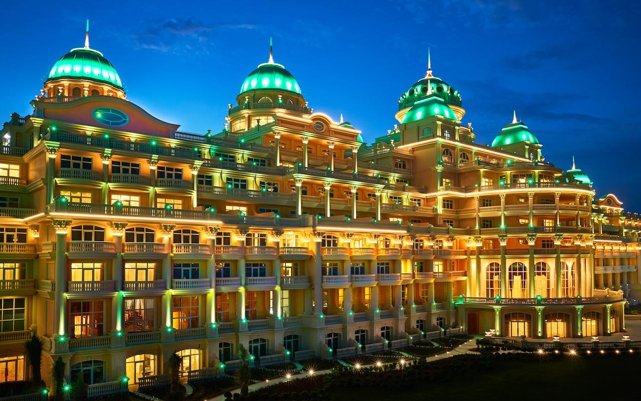 khách sạn Emerald - cung điện bên bờ biển mang tính biểu tượng của Dubai