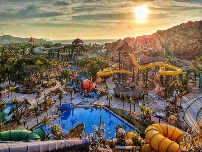 Công viên nước Hòn Thơm Aquatopia trở thành điểm vui chơi, giải trí hấp dẫn mọi du khách khi đến đảo Ngọc