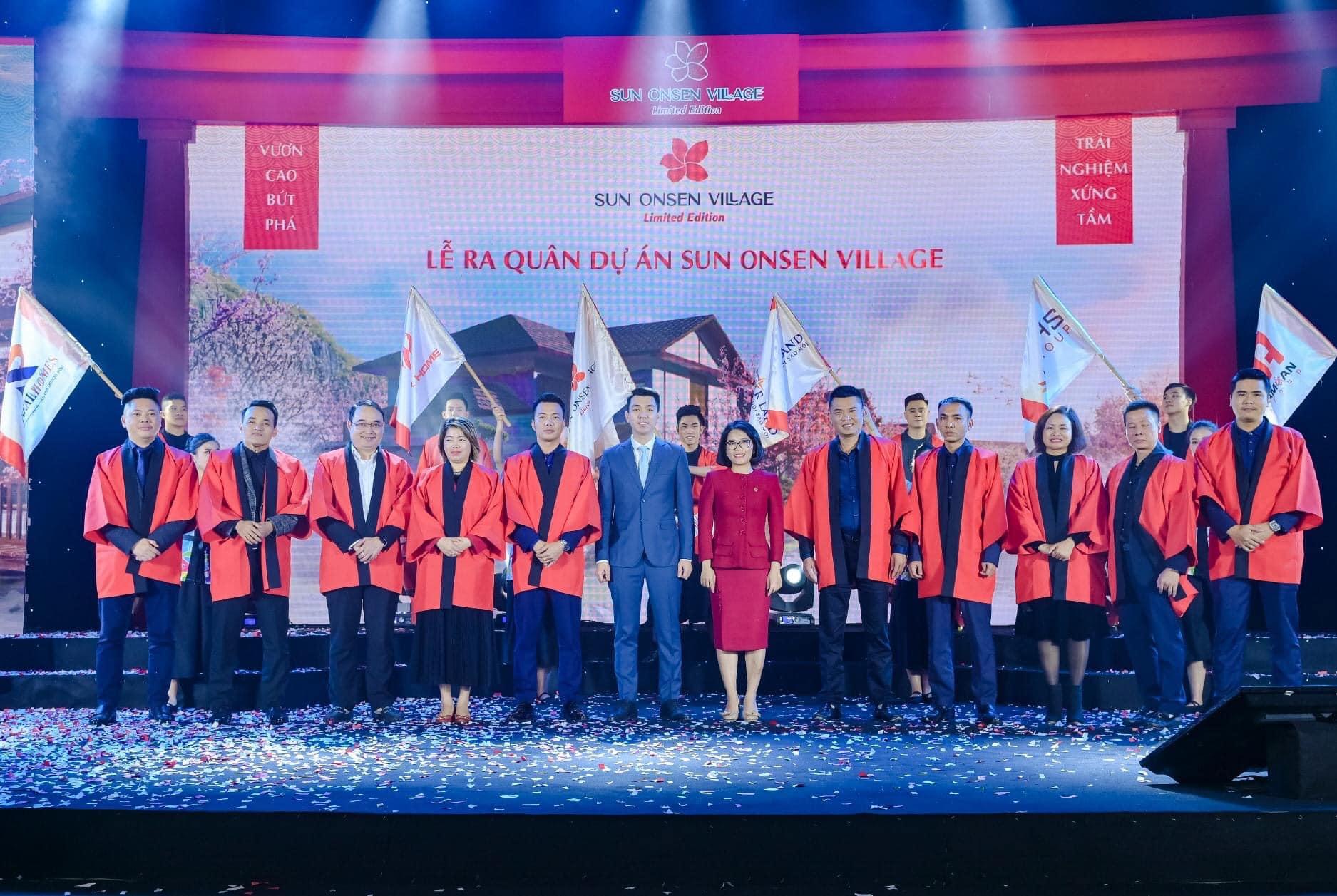 Đại diện những đại lý phân phối chính thức dự án Sun Onsen Village cùng đại diện Tập đoàn Sun Group