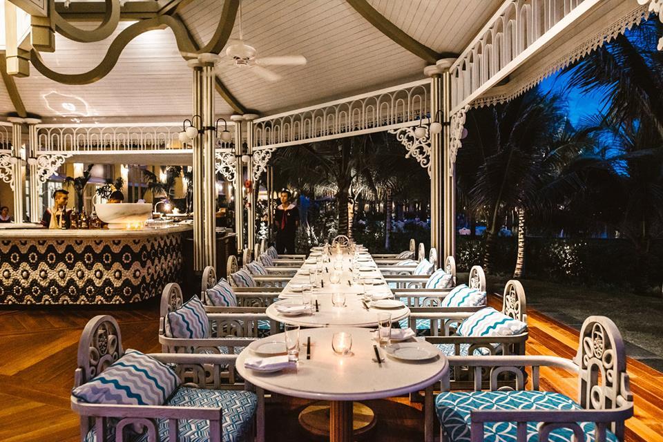 Nhà hàng Red Rum ngay cạnh bờ biển - JW. Marriott Phú Quốc