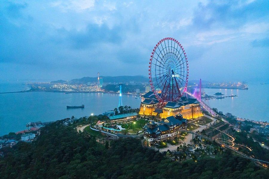 Cáp Treo Nữ Hoàng một công trình biểu tượng mới của Sun Group tại Hạ Long thu hút khách du lịch trong những năm gần đây