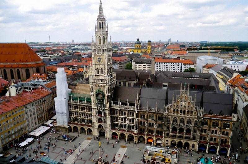 Tháp đồng hồ Rathaus – Glockenpial – Munich, Đức