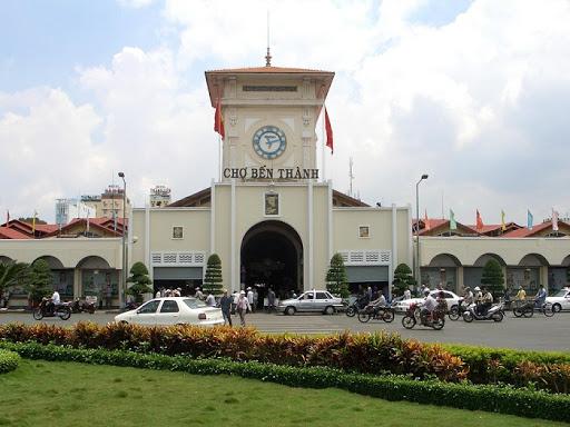 Tháp đồng hồ chợ Bên Thành là một trong những biểu trưng của Sài Gòn