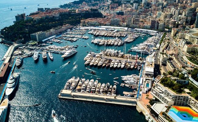 Sự sầm uất của thương cảng Hercule tại Monaco