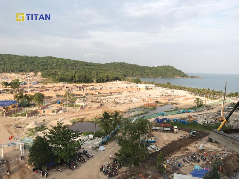 Ảnh chụp tiến độ dự án Sun Premier Village Kem Beach Resort nhìn từ Condotel Phú Quốc - Ảnh chụp tháng 05/2018