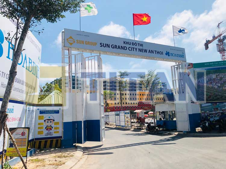 Cổng công trường dự án Sun Grand City New An Thoi