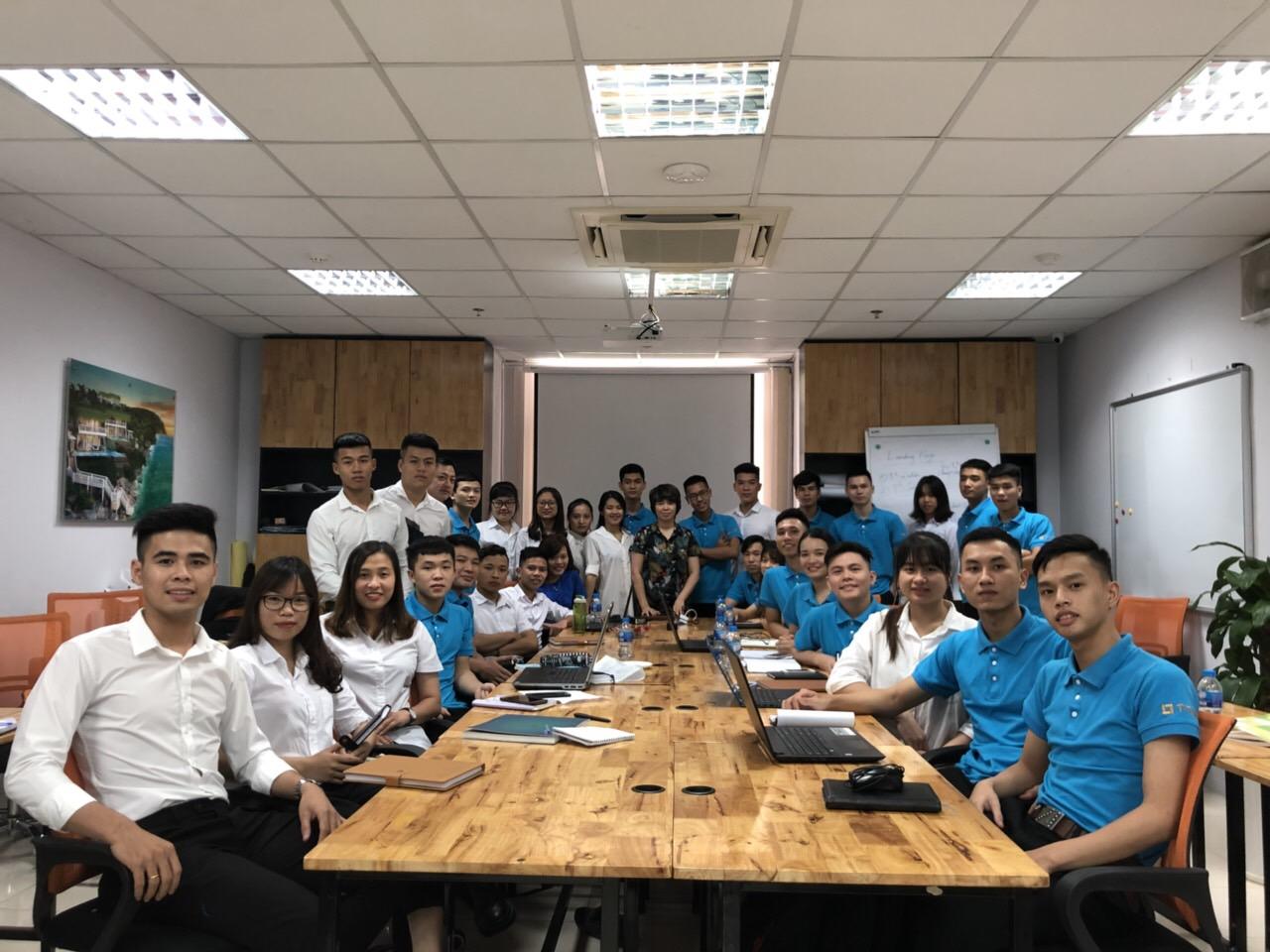 Khóa học căn bản cho Sale BĐS mới vào nghề do chị Nguyễn Thị Liên Dung trực tiếp đào tạo