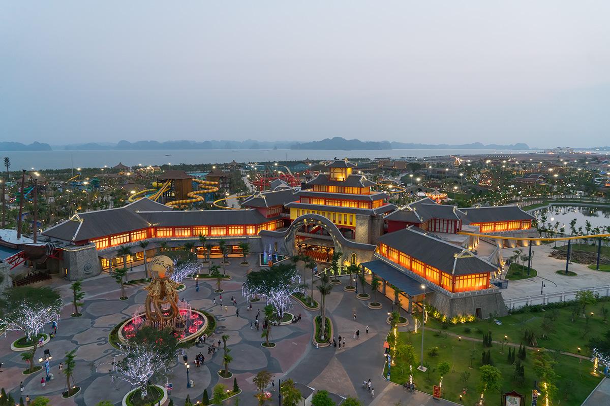 Sun World Halong Complex - công viên giải trí lớn nhất Hạ Long sẽ cung cấp một nguồn khách hàng dồi dào và tiềm năng cho Shophouse Europe